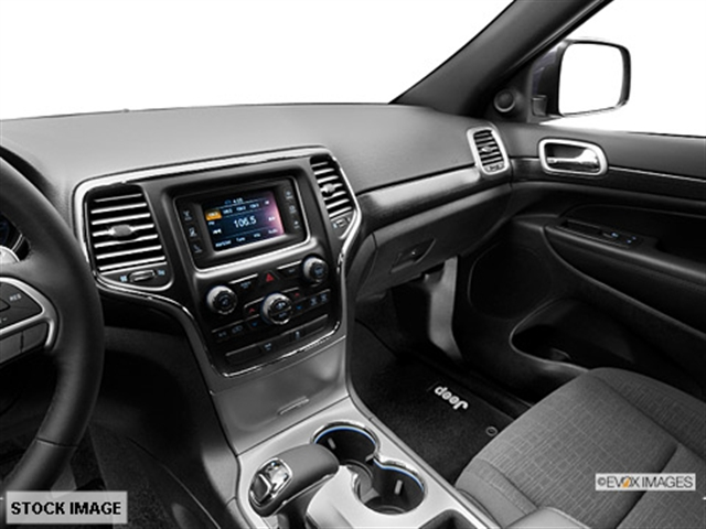 ... Interior 3 2014 Jeep Grand Cherokee Laredo 4x4 SUV