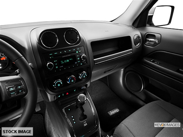 ... Interior 3 2014 Jeep Patriot Latitude 4x4 SUV